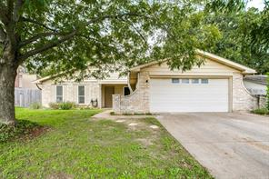 3229 Hickory Ct, Bedford, TX 76021