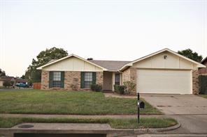 3701 Pinewood St, Bedford, TX 76021