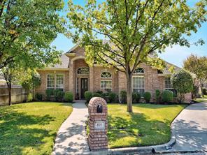 405 Cottonwood Ln, Hurst, TX 76054