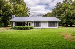 210 Hickory St, Blossom, TX 75416