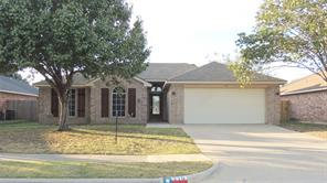 316 Willowstone Trl, Saginaw, TX 76179
