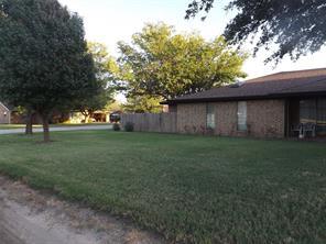 1025 NW 5th St, Hamlin, TX 79520