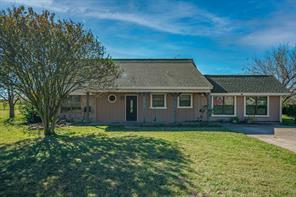 1150 Country Ln, Oak Ridge, TX 75142