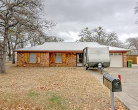 2615 Oaks, Granbury, TX 76049