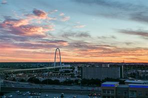 2408 Victory Park, Dallas, TX, 75219