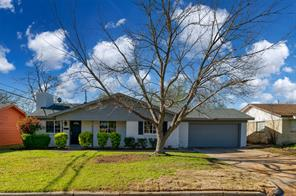 1009 Russell, Everman, TX, 76140