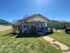 121 4th St, Hamlin, TX 79520