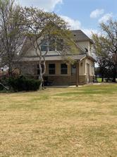 1033 Bluff Creek Pt, Strawn, TX 76475