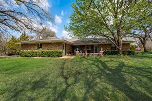 320 N Lee Ave, Tom Bean, TX 75090