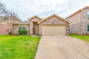 4901 Palm Ridge Dr, Fort Worth, TX 76133