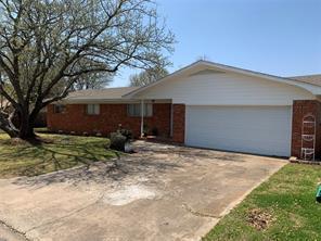 212 S Pine St, Muenster, TX 76252