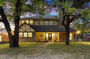 825 Rockgate Rd, Bartonville, TX 76226