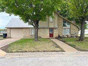 200 Lackey, Brady, TX, 76825