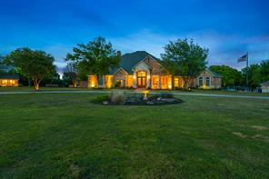 208 Highpoint Cir, Valley View, TX 76272
