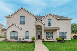 812 Whitley Ct, Kennedale, TX 76060