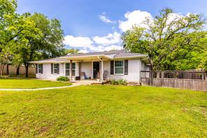 925 Little School Rd, Kennedale, TX 76060