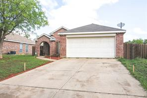 4513 Marshall St, Forest Hill, TX 76119