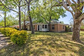 2704 Highwood, Dallas TX 75228