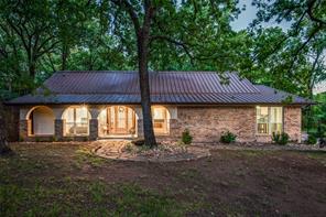 926 Timber Creek Dr, Lewisville, TX 75067