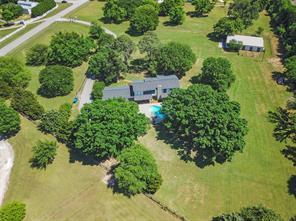 825 Estates Dr, Copper Canyon, TX 75077