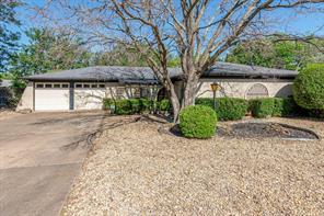 6305 Winn Dr, Edgecliff Village, TX 76134