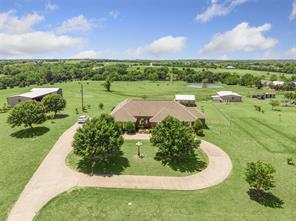 704 Judge Carr, Whitewright TX 75491