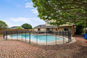 323 Parkwood Dr, Lakewood Village, TX 75068