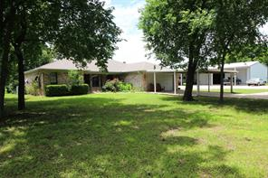 2938 County Road 1076, Celeste, TX 75423