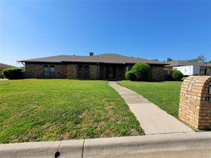 1301 Rockmoor Dr, Edgecliff Village, TX 76134