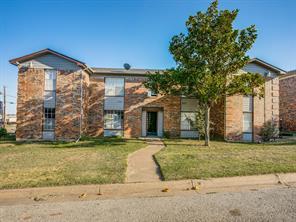 8036 Cambridge Cir, White Settlement, TX 76108