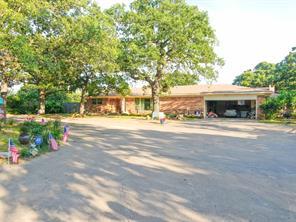1435 N Main St, Jacksboro, TX 76458