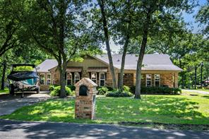 168 First Oak Dr, Enchanted Oaks, TX 75156