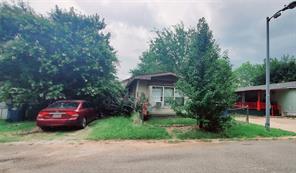 211 Pecan St, Lake Dallas, TX 75065