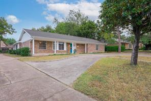 6121 Glenview Dr, Haltom City, TX 76180