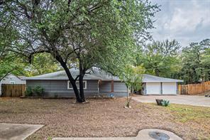 1100 Banks St, River Oaks, TX 76114