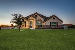 208 Clear Fork Trl, Rhome, TX 76078