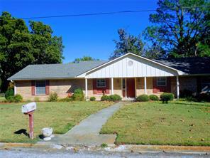 2108 Agnew St, Bonham, TX 75418