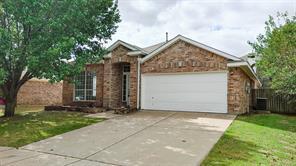 617 Oak Hollow Trl, Saginaw, TX 76179