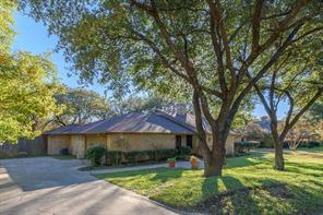2814 Broadacres Ln, Dalworthington Gardens, TX 76016